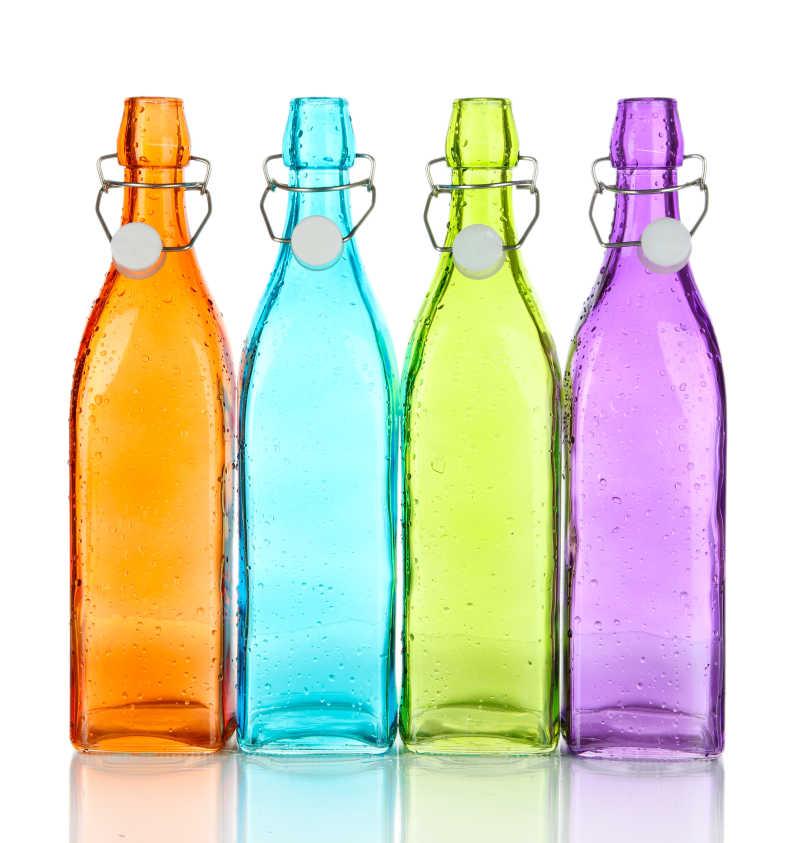 四个彩色瓶子