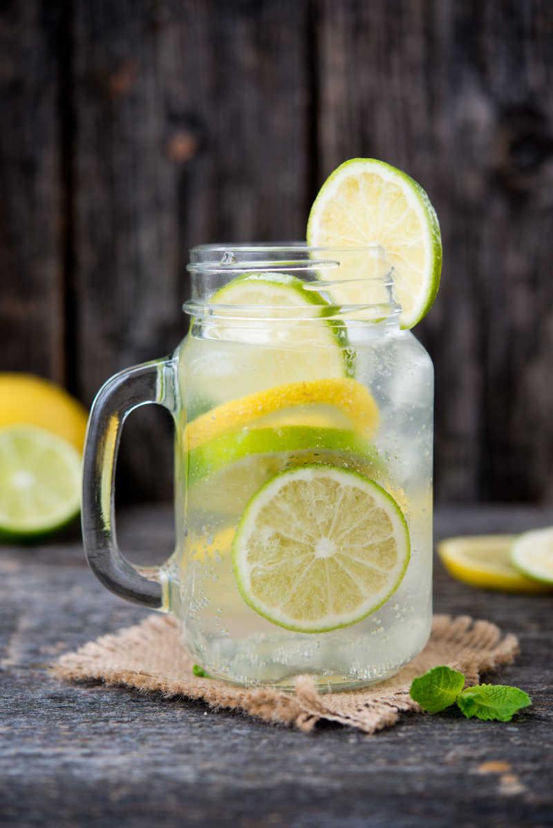 自制柠檬苏打水