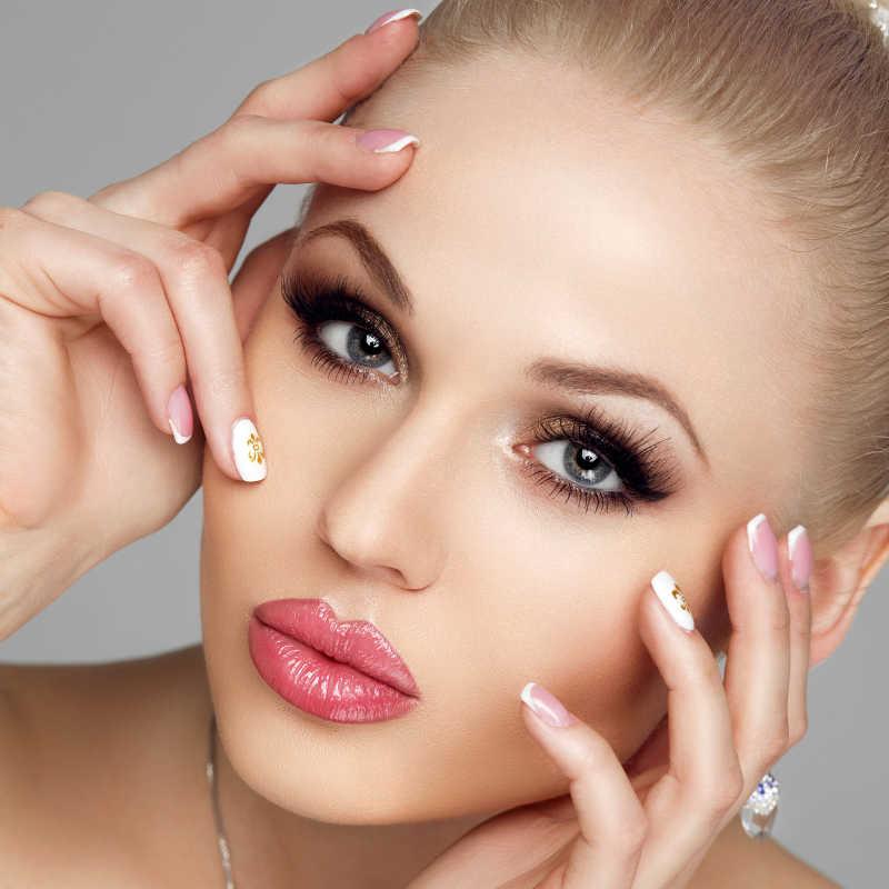 美丽的女性模特脸部特写