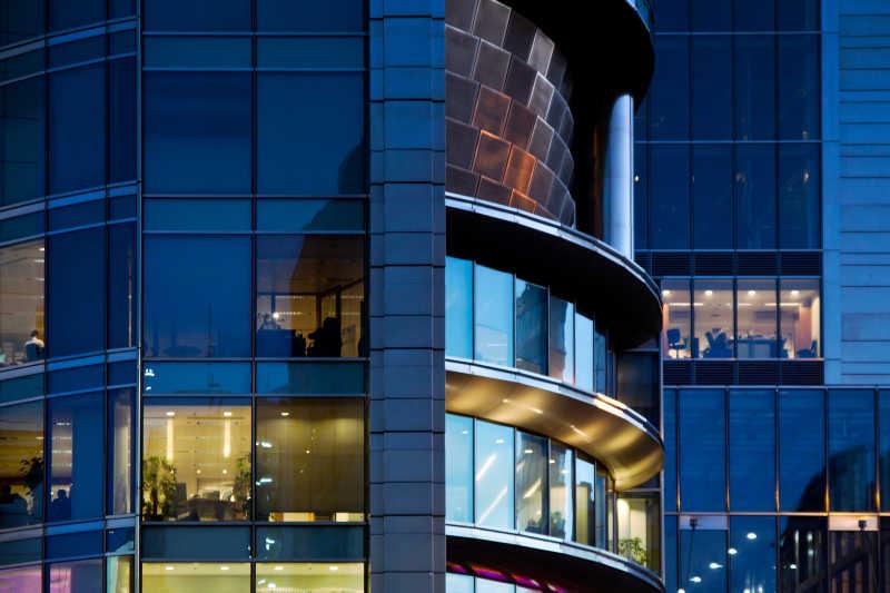 现代银行办公大楼