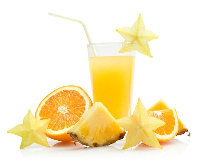 新鲜美味的热带水果饮料