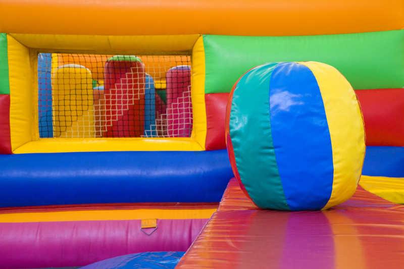 幼儿园的娱乐设施
