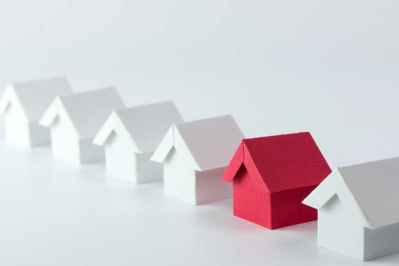 房地产行业白房子模型中的红房子