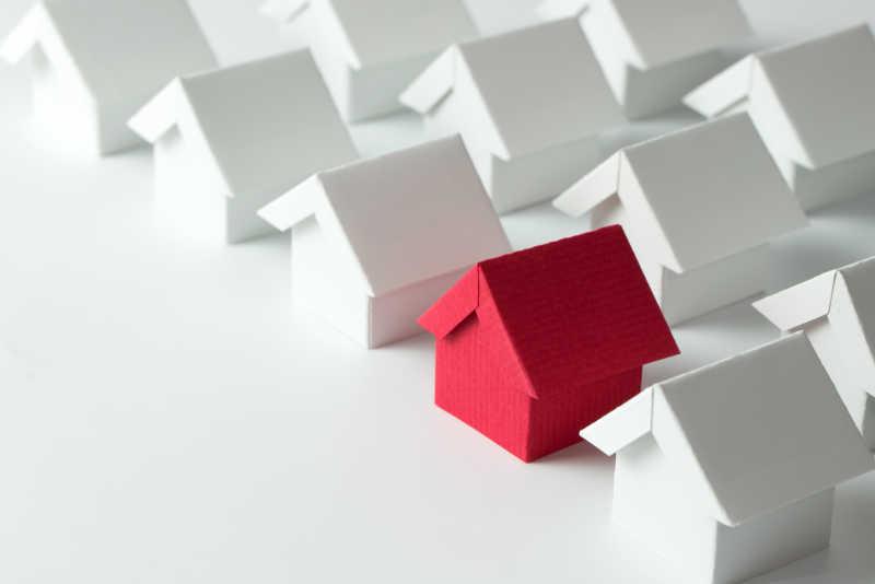 房地产行业白房子中的红房子