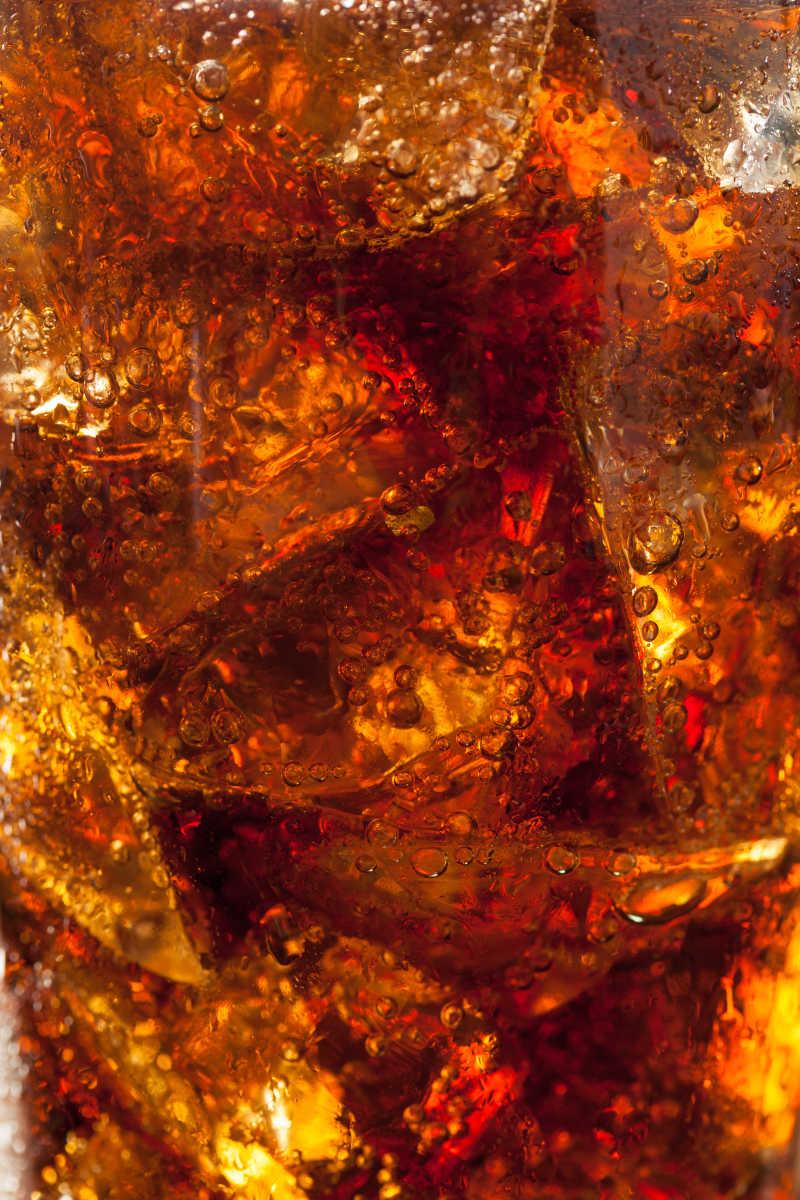 可乐加冰块饮料