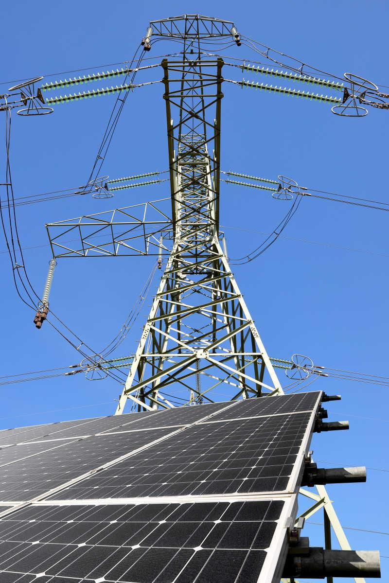 发电站的太阳能发电板