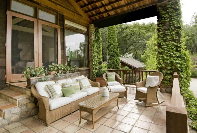 乡村豪华舒适的露天阳台