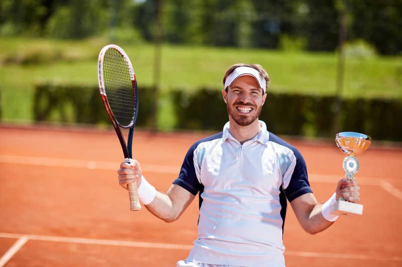 网球比赛中优胜者和胜利者