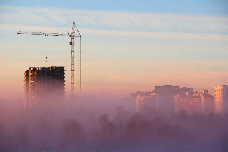 笼罩在城市上空的雾霾
