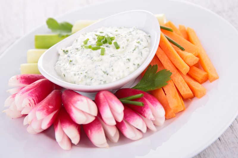 切成棒状的蔬菜