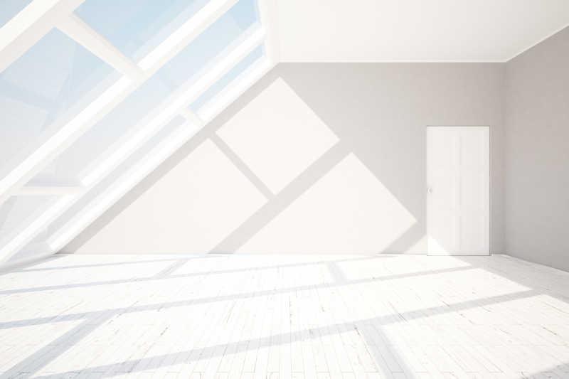 阳光照在阁楼的地板上