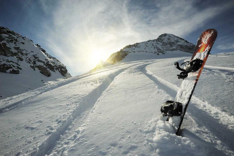 高山上滑雪