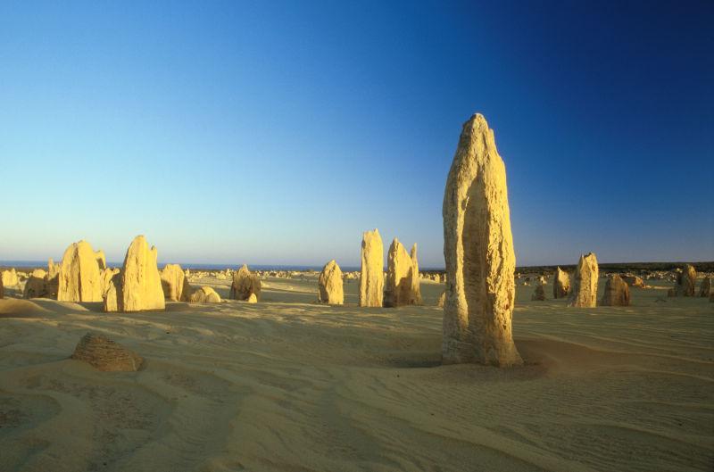 西澳大利亚尖峰石阵沙漠