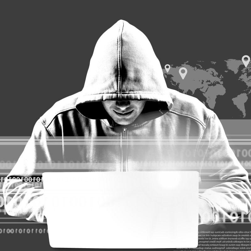 黑白滤镜下操控笔记本的计算机黑客