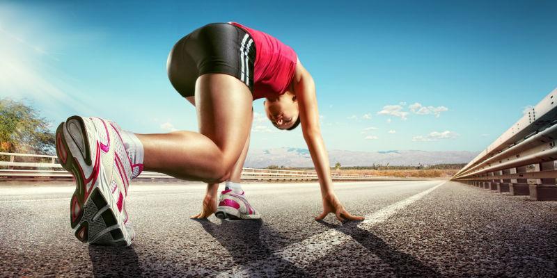 准备跑步的女性