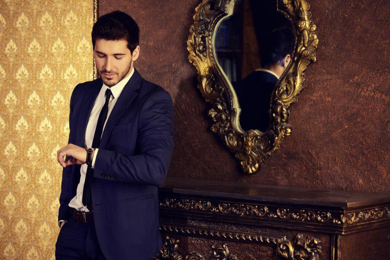 帅气的男性时尚模特