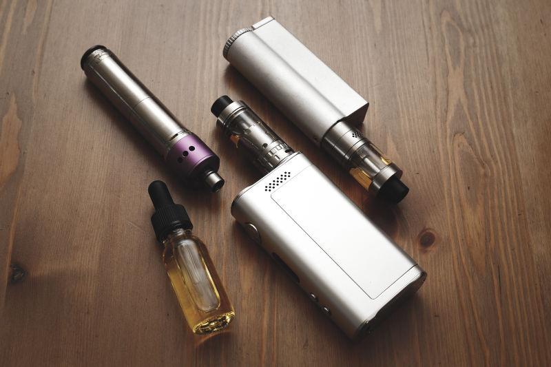 电子烟与烟油