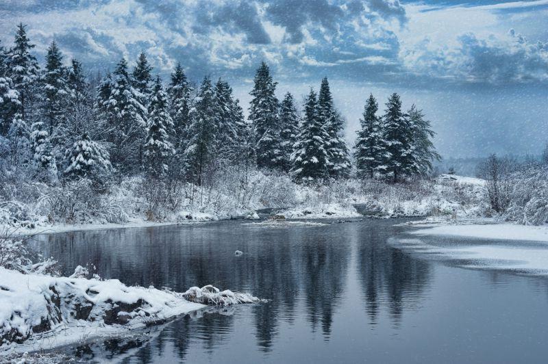 冬天的雪河