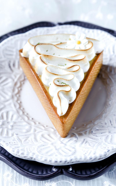 三角形的意大利柠檬蛋挞