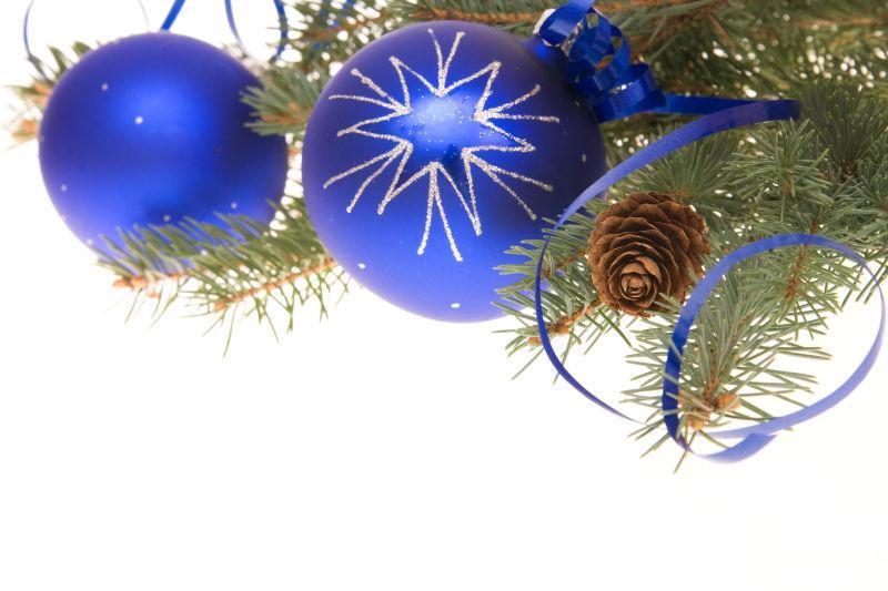 美丽的圣诞装饰铃铛