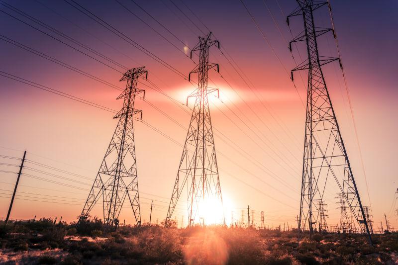 电线连着的电塔