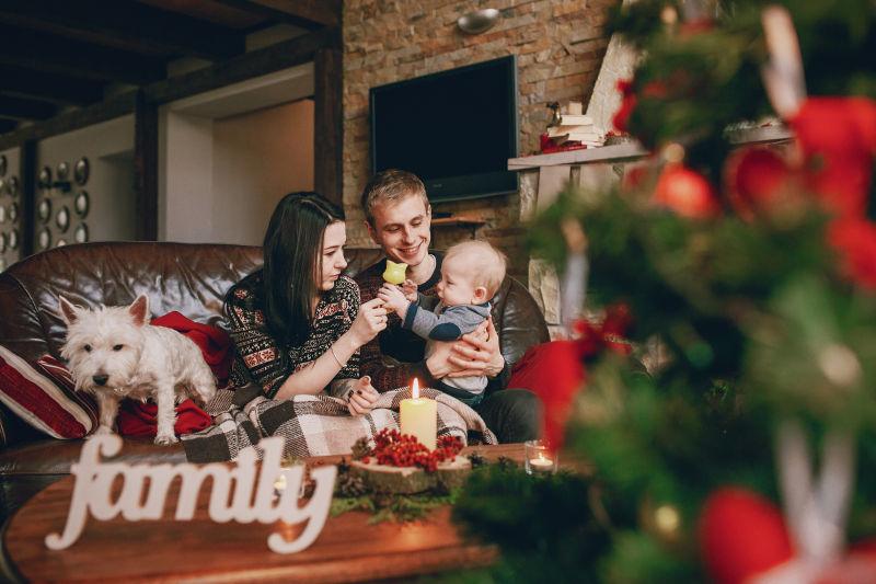 圣诞节欢乐的家庭