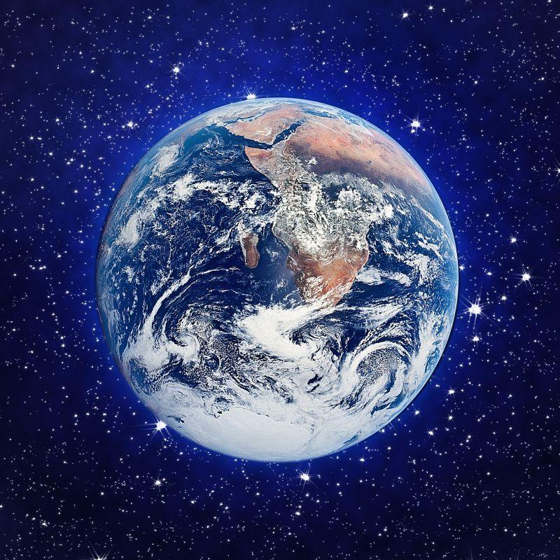 星光中蓝色发光地球