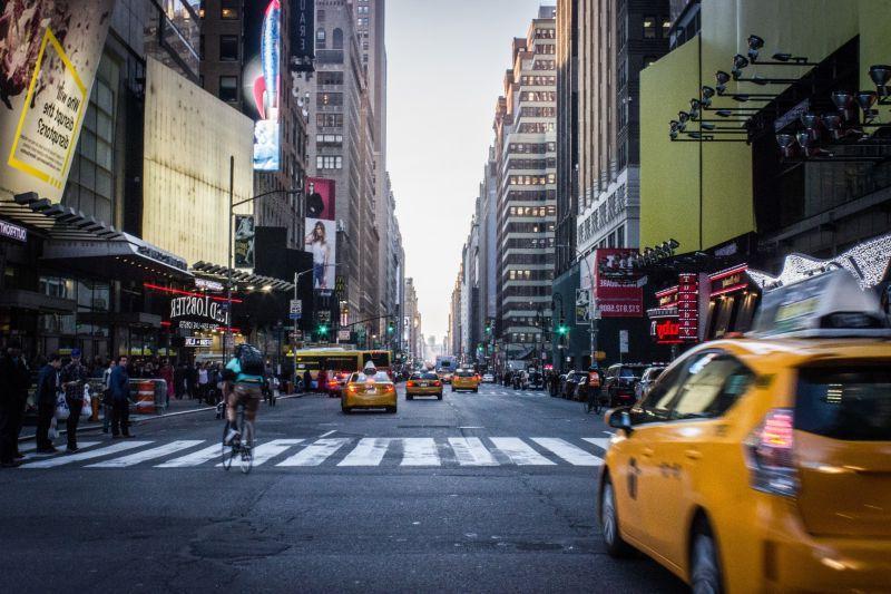 曼哈顿街道的出租车