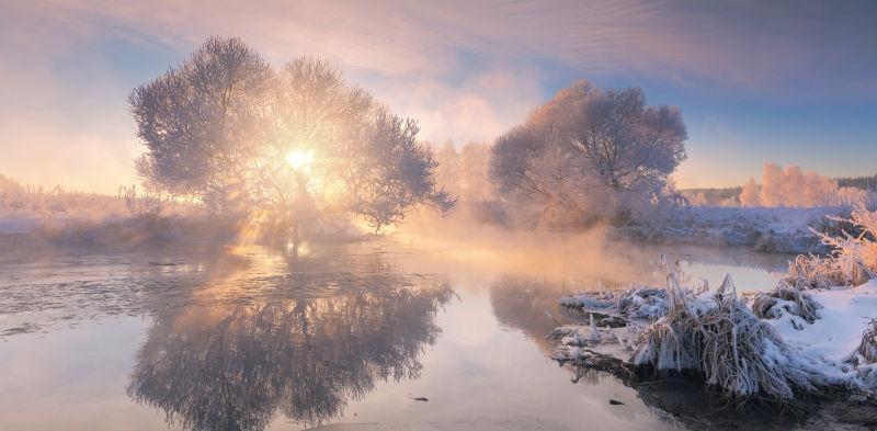 阳光明媚的冬日早晨
