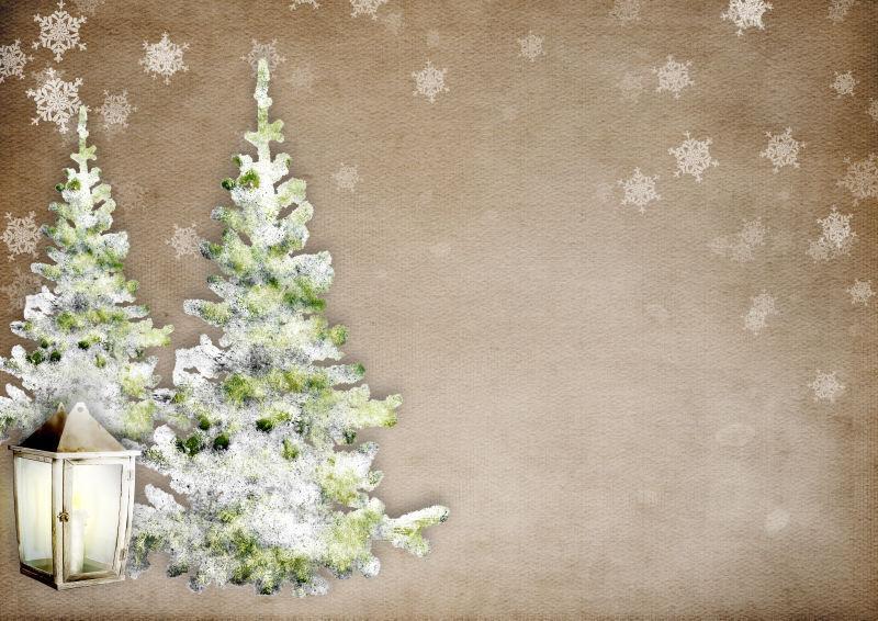冬季背景下的两颗圣诞树