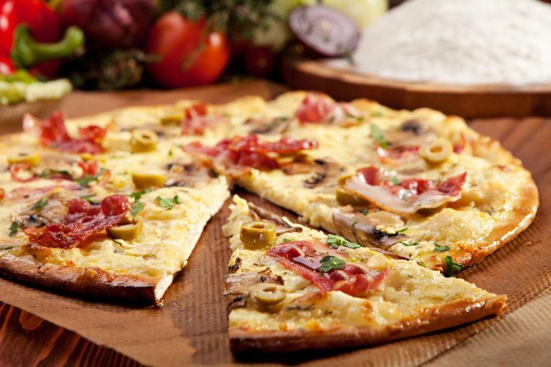 蘑菇培根干酪披萨