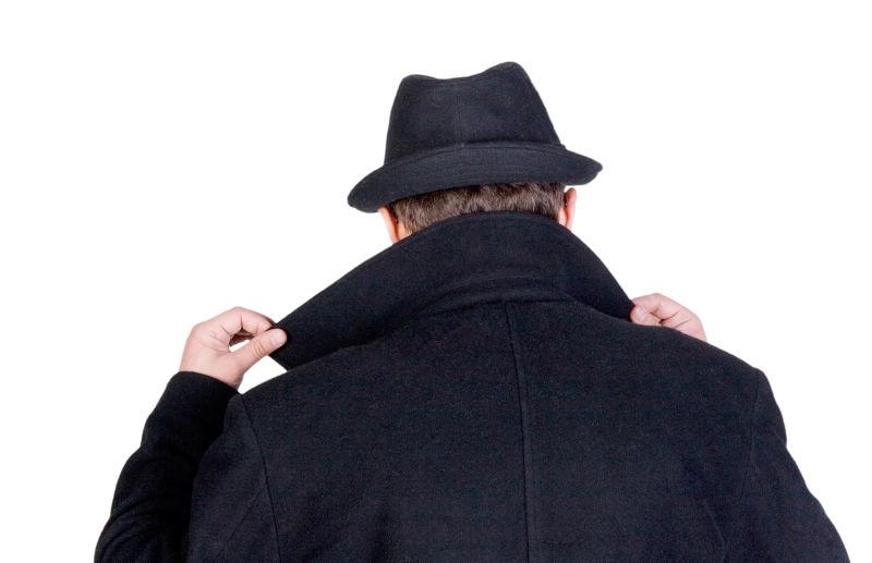 神秘男人的背面