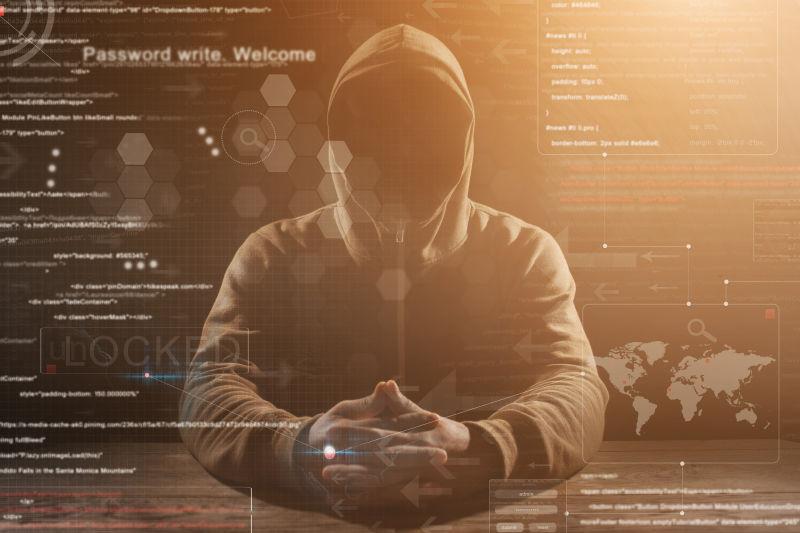 虚拟数据屏幕后的神秘男人