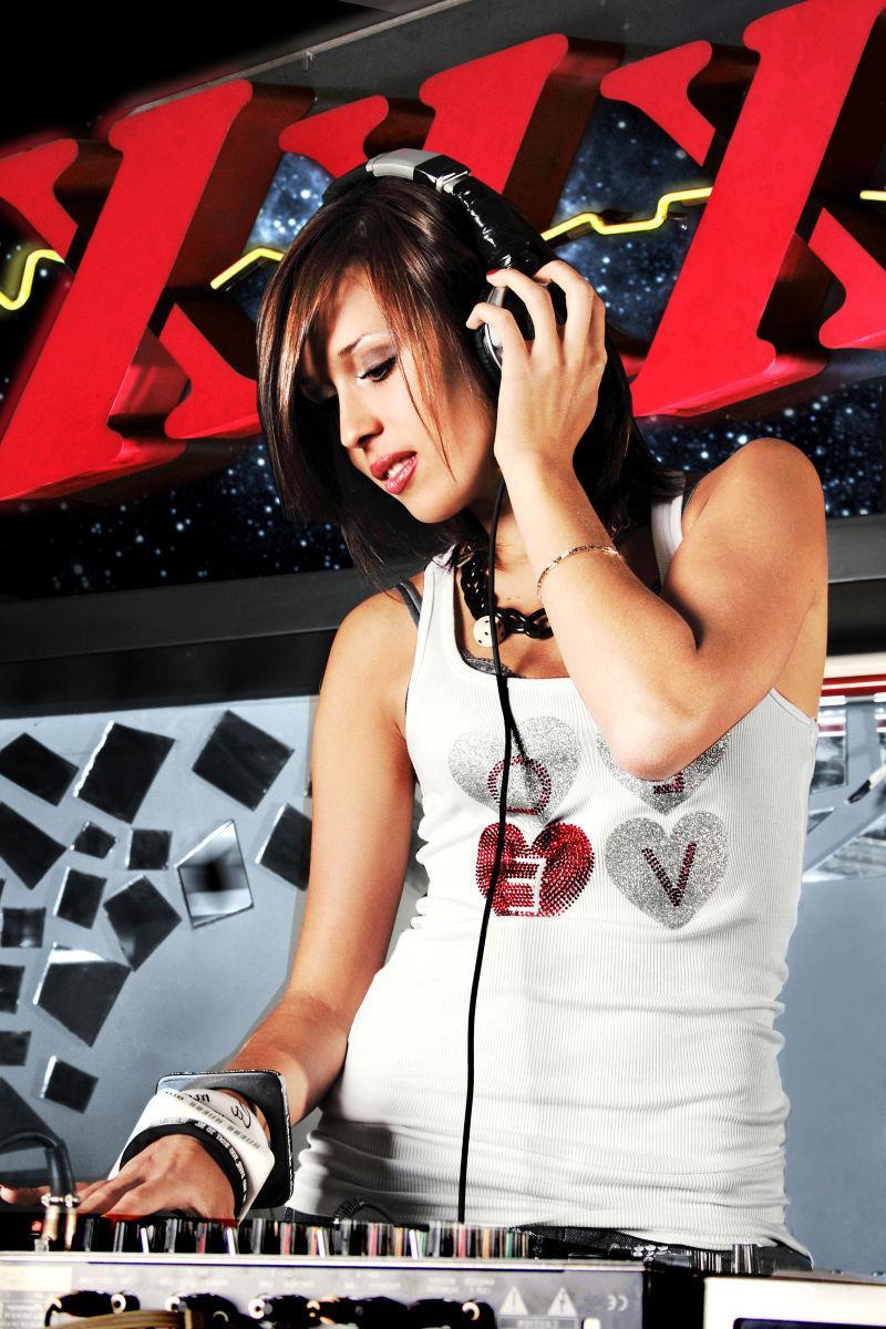 电声俱乐部DJ女孩