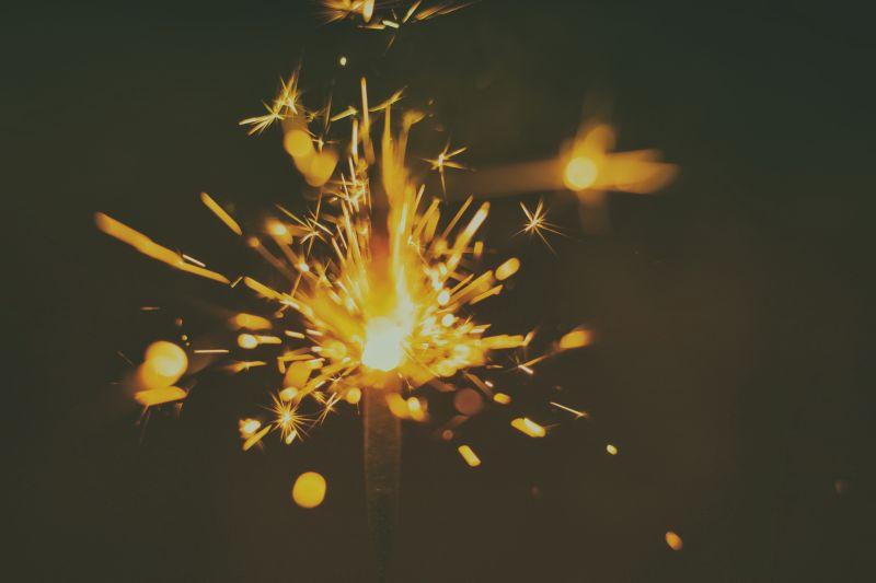 发光的烟火
