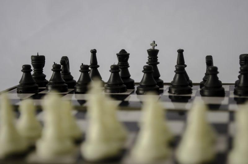 灰色背景国际象棋