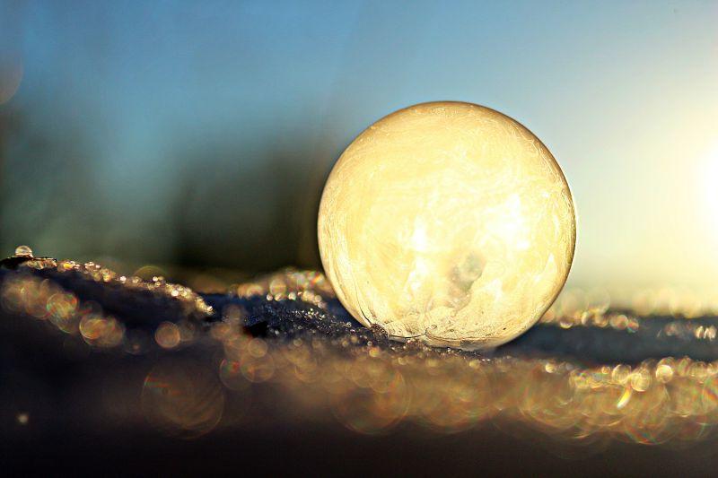 被冻住的泡泡