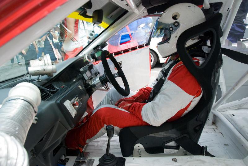 赛车里的选手