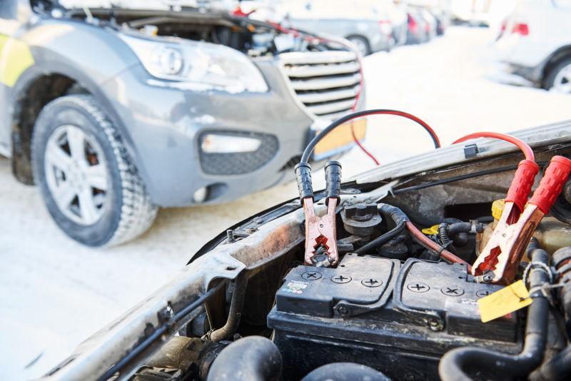 冬季雪地用增压跳线充电汽车蓄电池