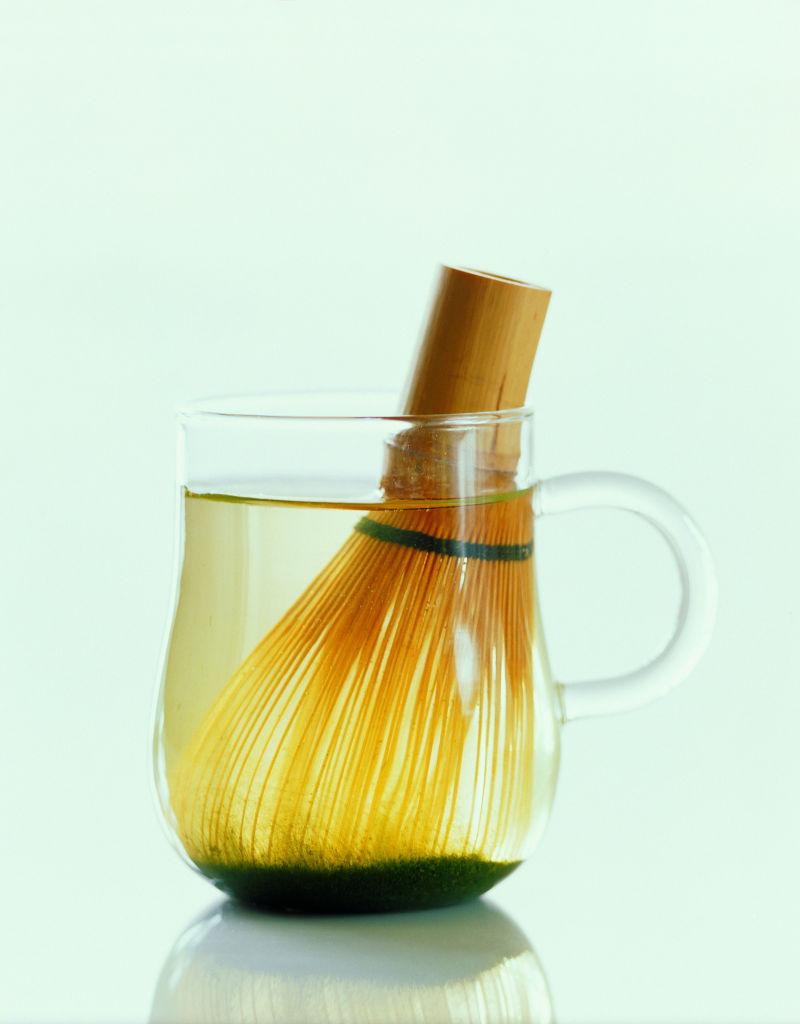 透明的茶杯