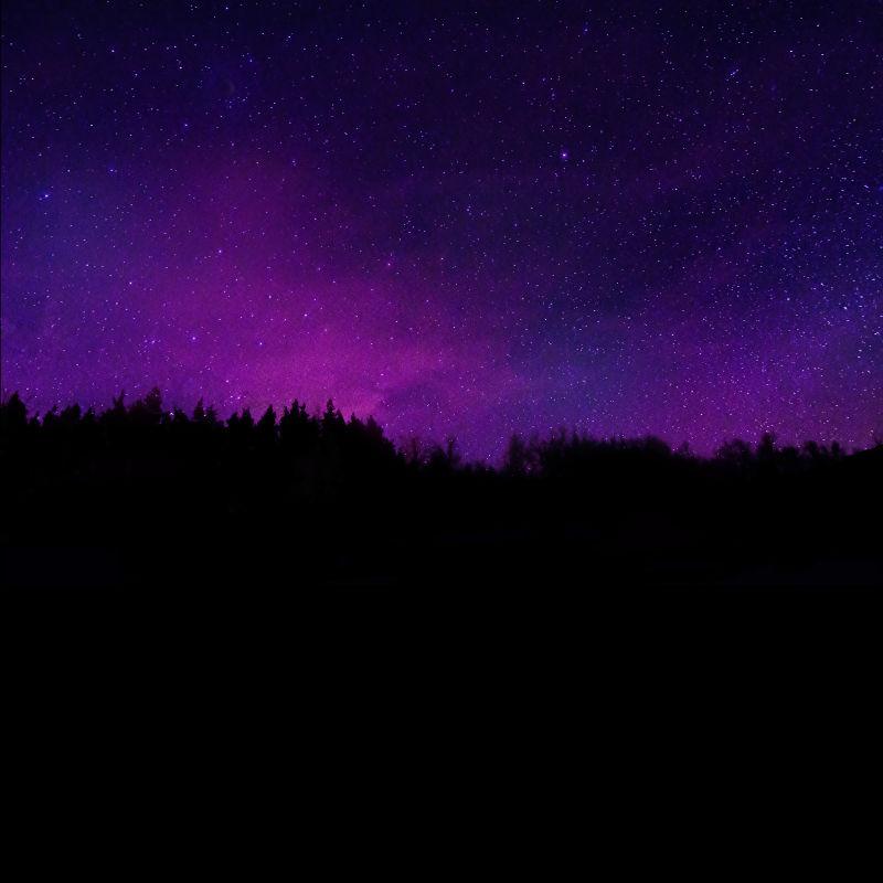 紫色的夜晚星空