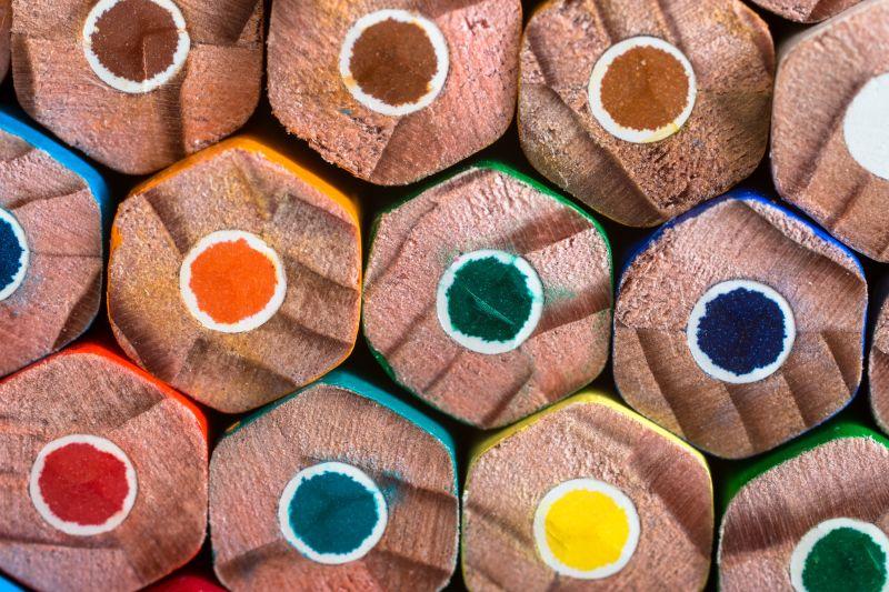 全新的彩色铅笔