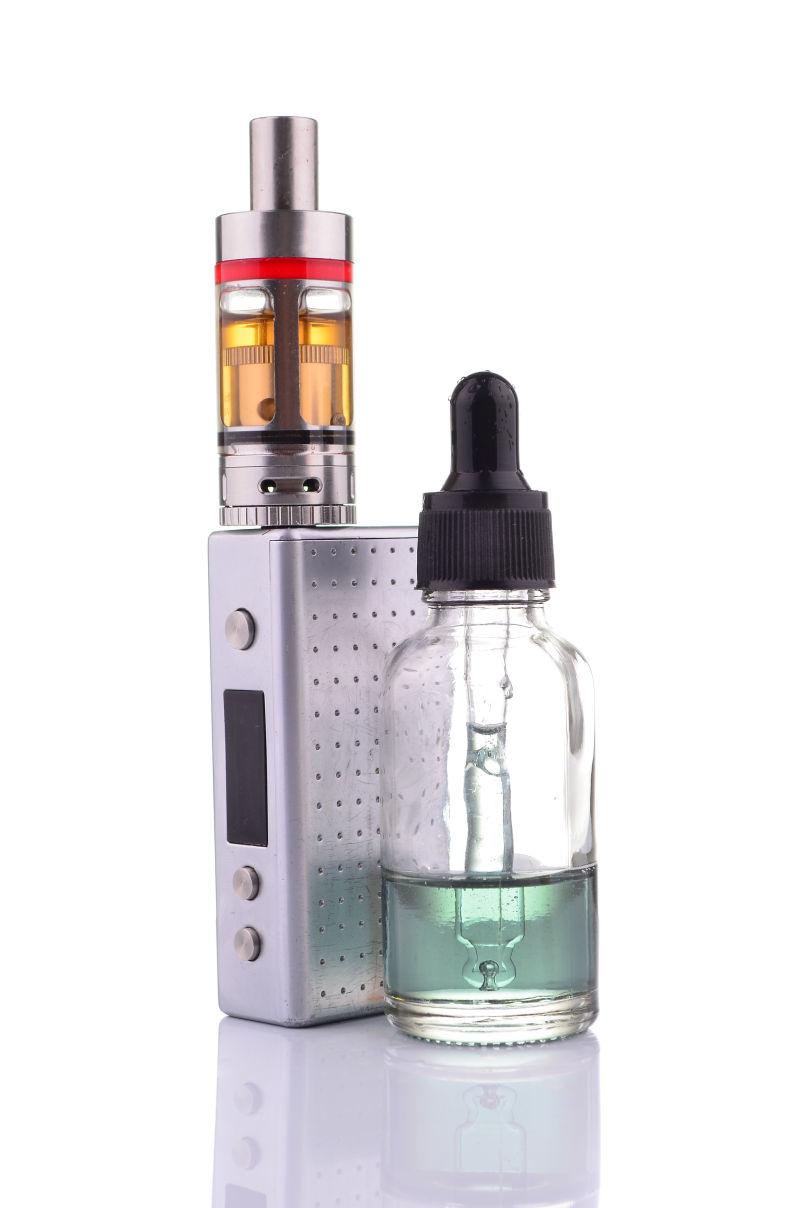 电子烟与烟油的搭配