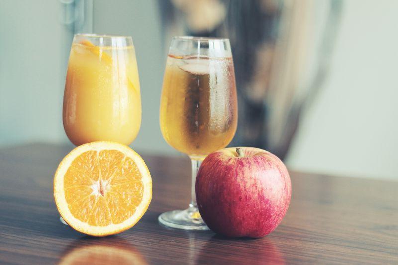 橙子和苹果汁