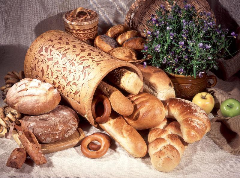 花筒里的面包