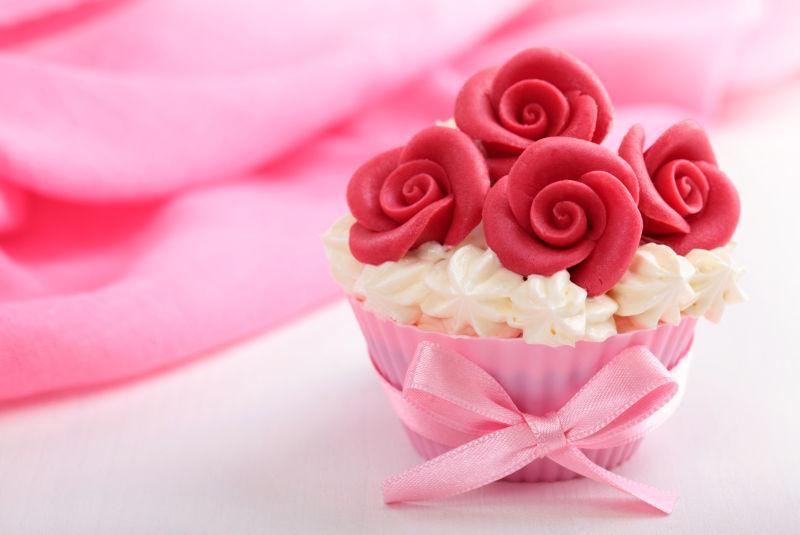 红玫瑰杏仁蛋糕