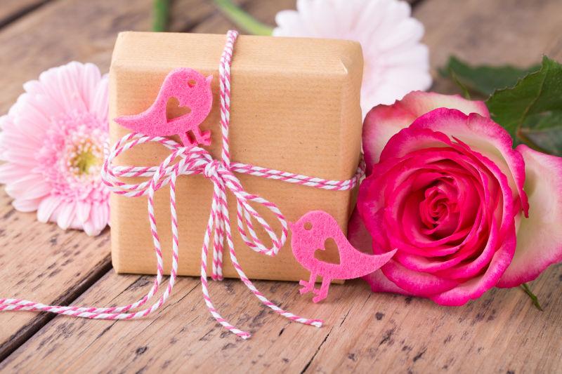 礼物与花朵