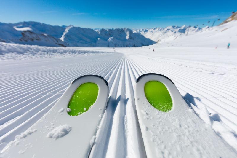 他滑雪滑雪滑雪大张力腿平台