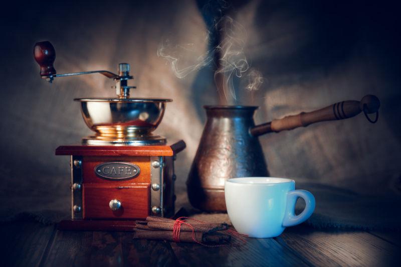 咖啡与桂皮