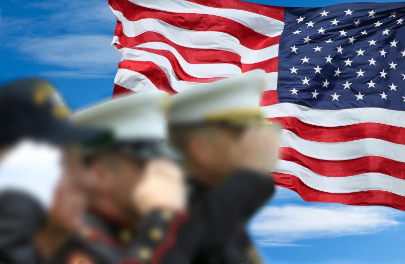 国旗背景与三军士兵